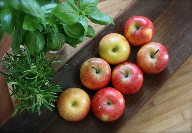 apple-1386749_640