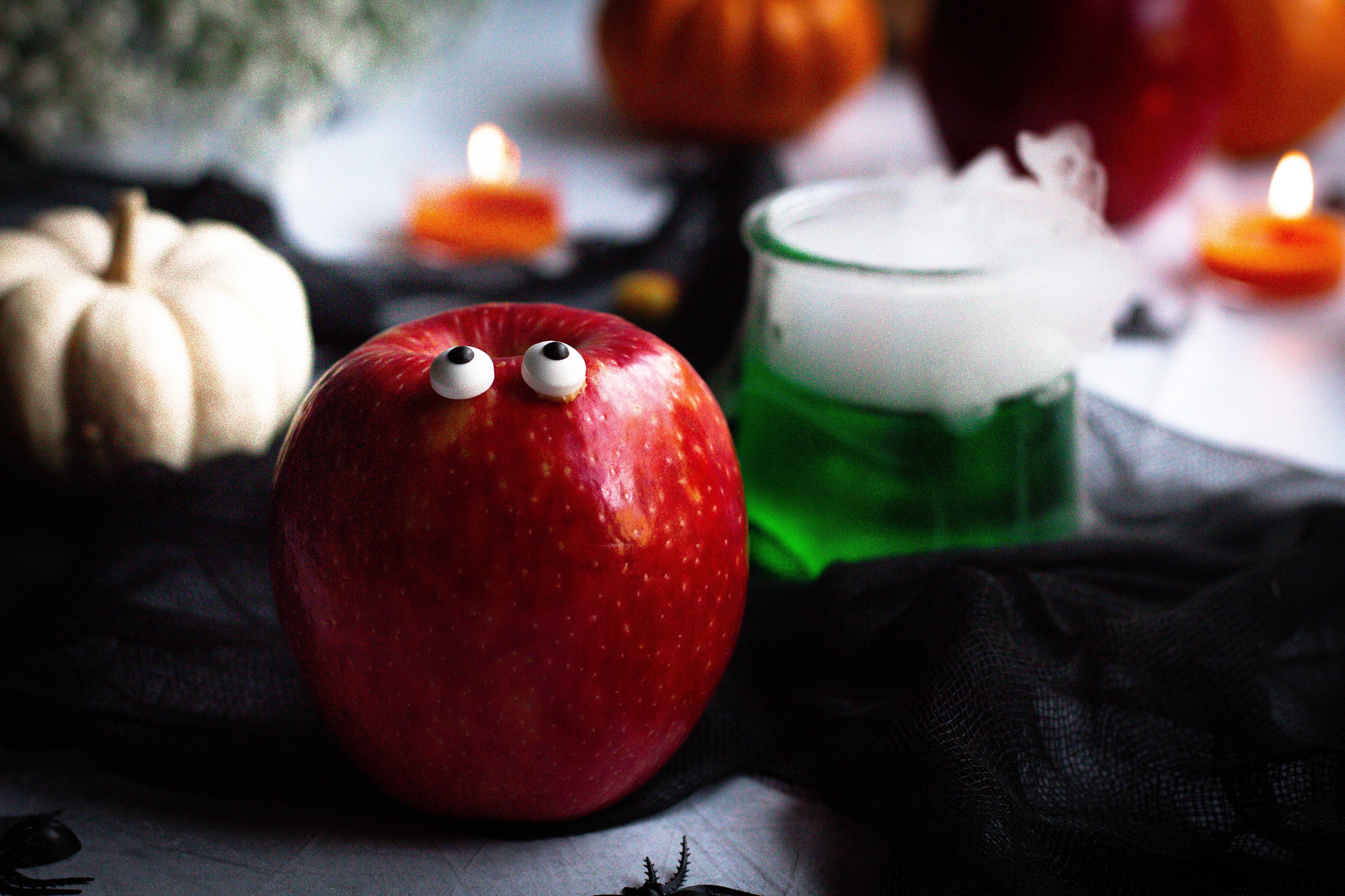 Spooky Spread with JUICI™ Apples